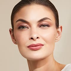Essential Glow Complexion Look